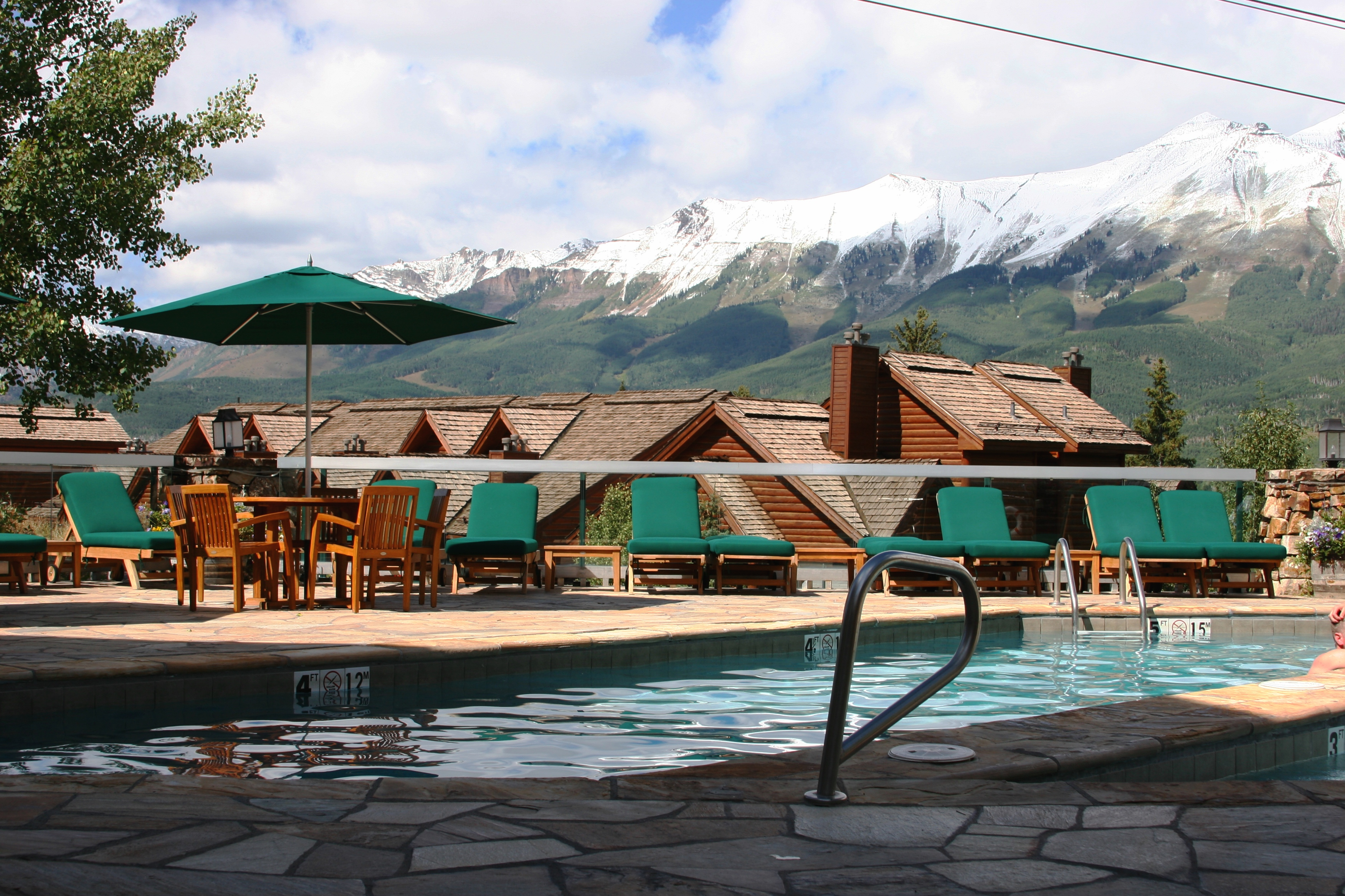 Mountain lodge telluride for Alpine lodge