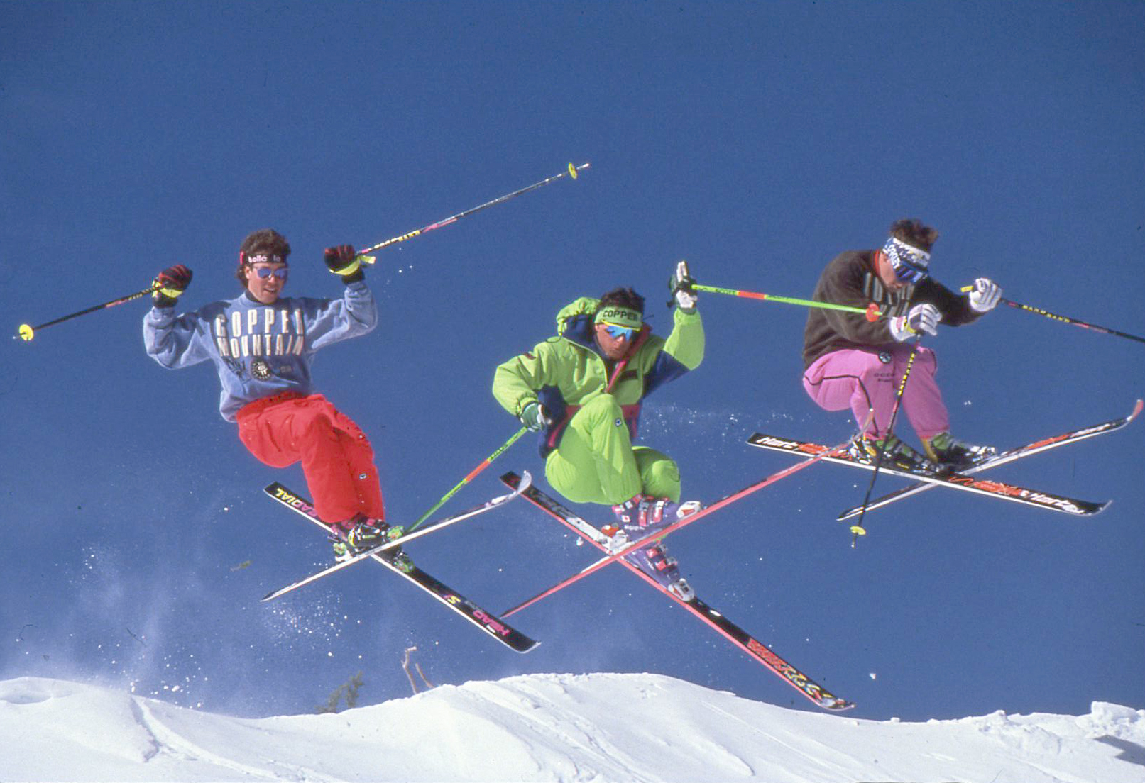 Throwback_skiers_2