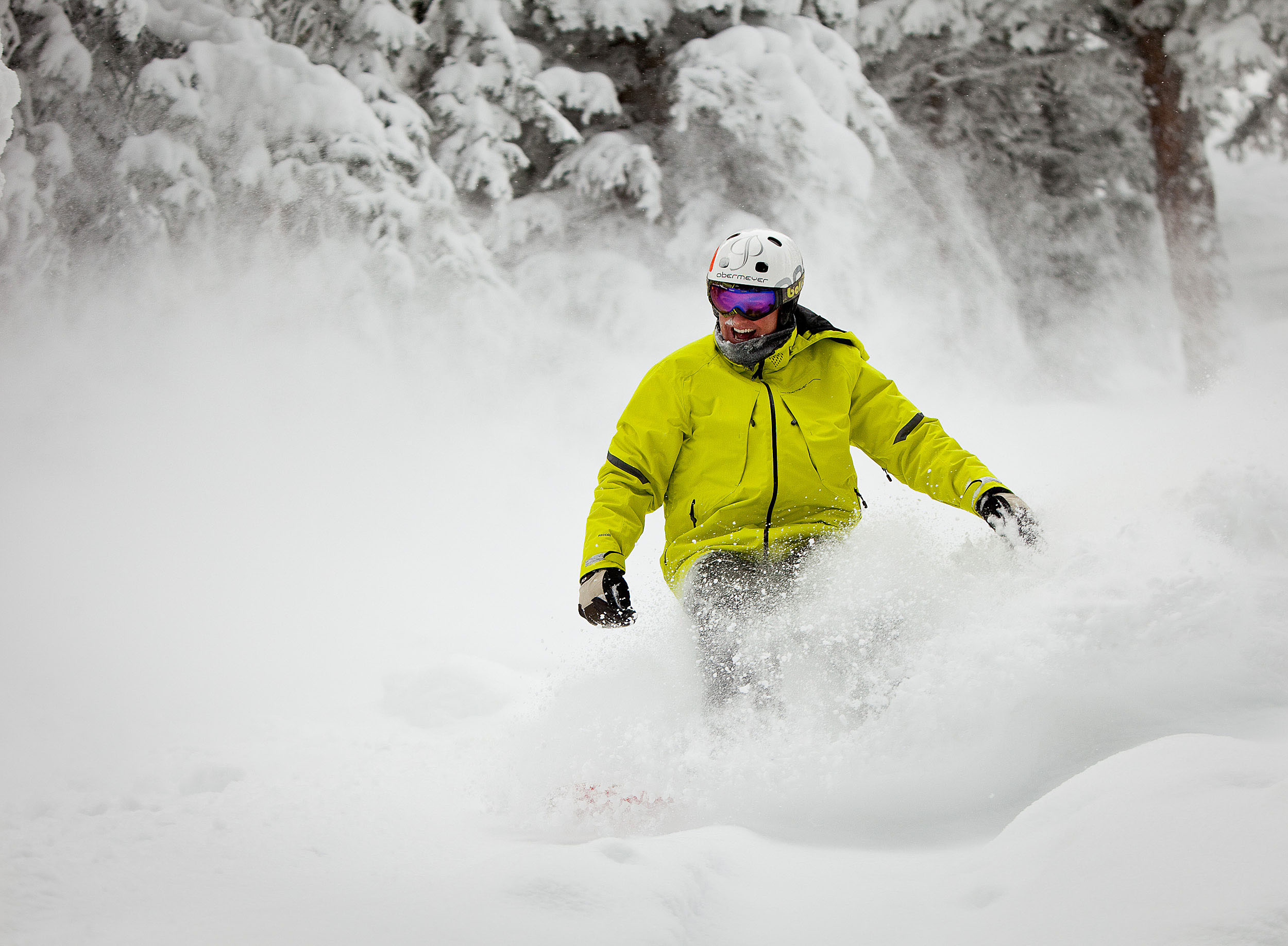 Colorado Ski Areas Extend Their 2014 Ski & Ride Season