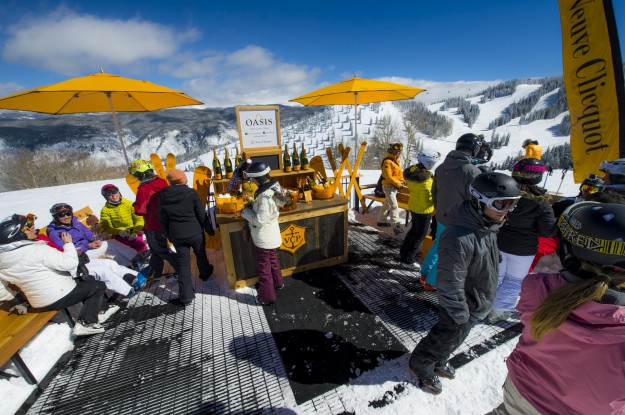 Outdoor Apres Champagne Bar Oasis
