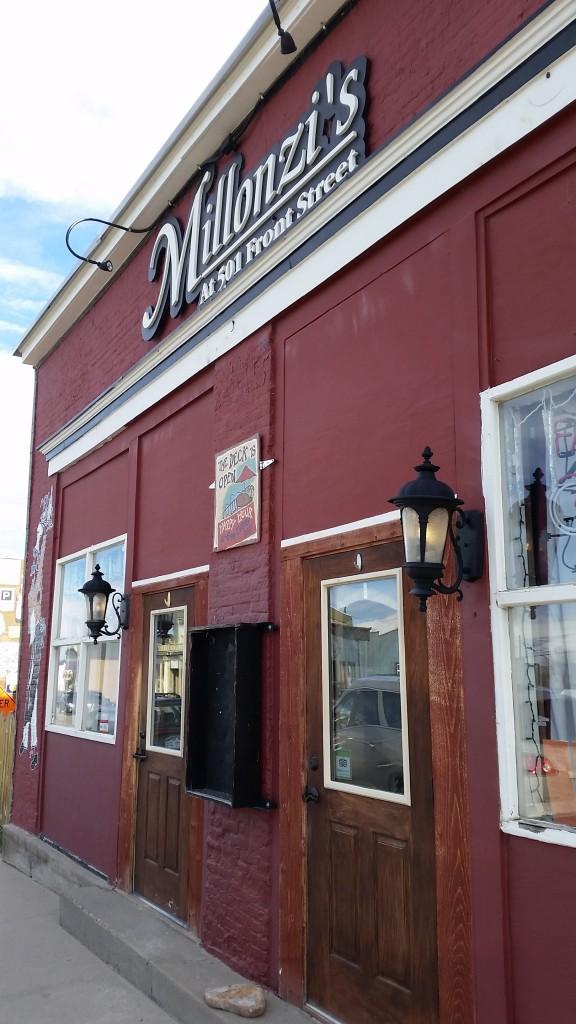 EAT Millonzis Storefront