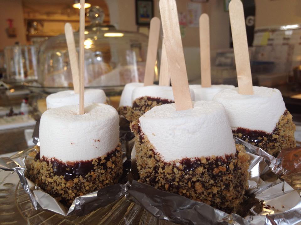 BAKERIES- Cake Smores