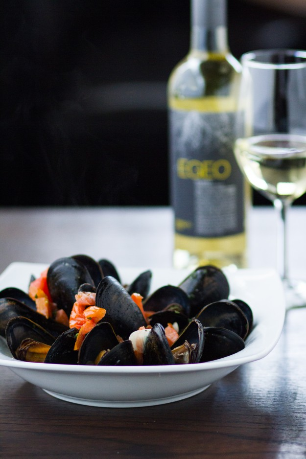 EAT - Riviera mussels with wine